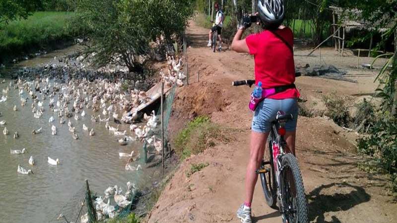 leh-manali highway cycling