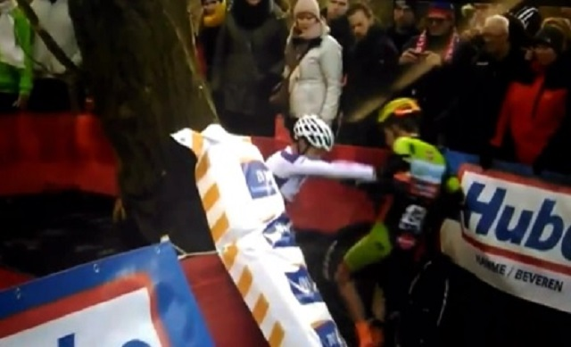 cyclists fight