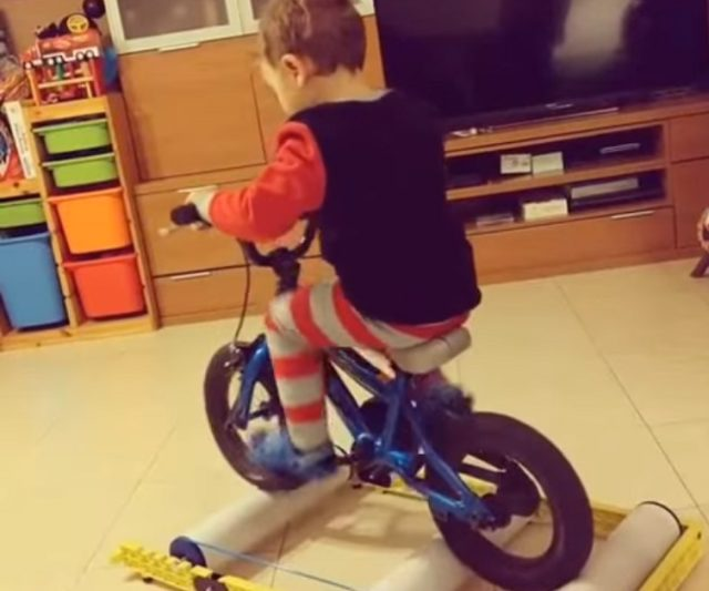 kid on roller