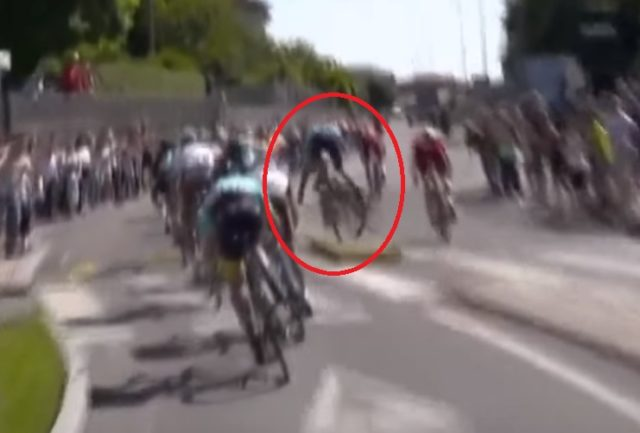 Tanel Kangert crash stage 15 giro 2017
