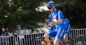 answer phone cyclist