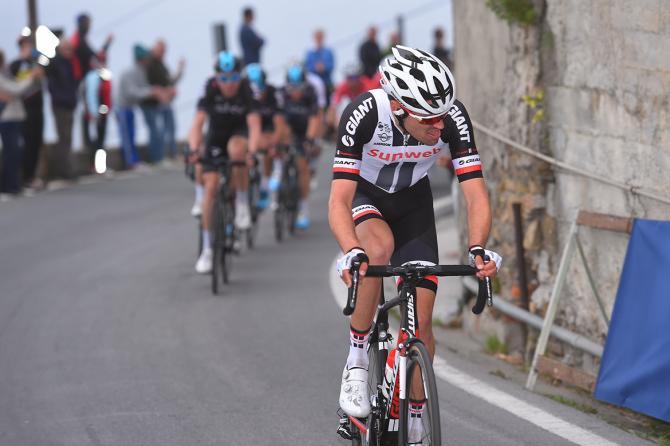 Tom Dumoulin abandons tour de suisse 2017