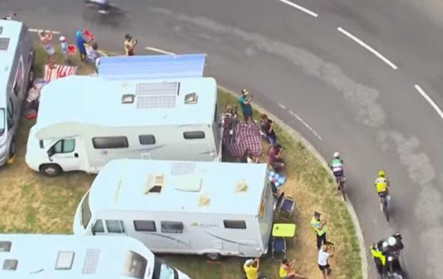 Aru Froome corner stage 12 tour de france descent