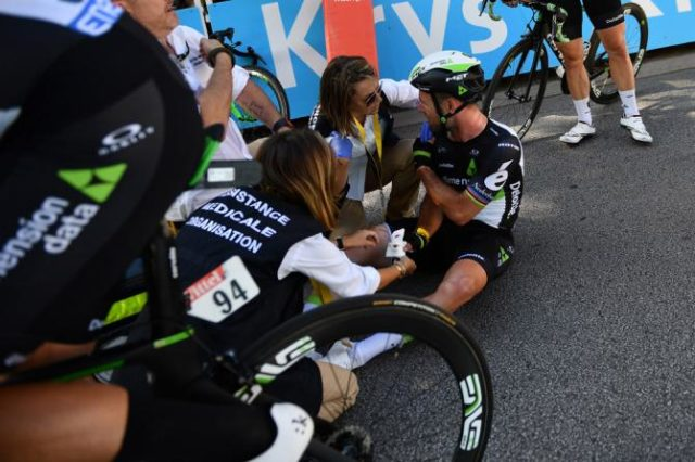 Mark Cavendish crash tour de france 2017