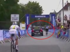 Gianni Moscon team car tow