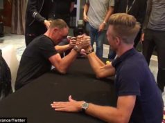 froome kittel arm wrestle
