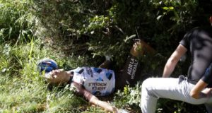 Jan Bakelants crash il lombardia