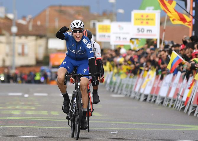Maximilian Schachmann wins stage 6