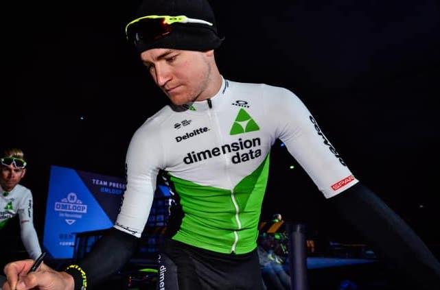 Scott Thwaites crash training ride fractures
