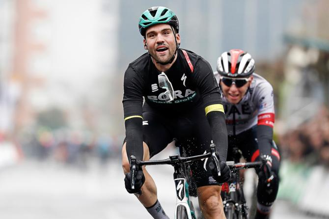 Schachmann extends Basque Country lead with his third stage victory
